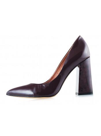 11727 INDIANA (Brazil) Туфли лаковые бордовые