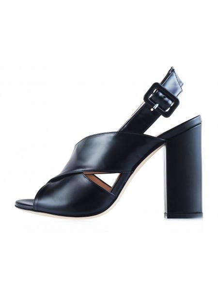 12316 BEFEETGERALD (Italy) Босоножки кожаные черные