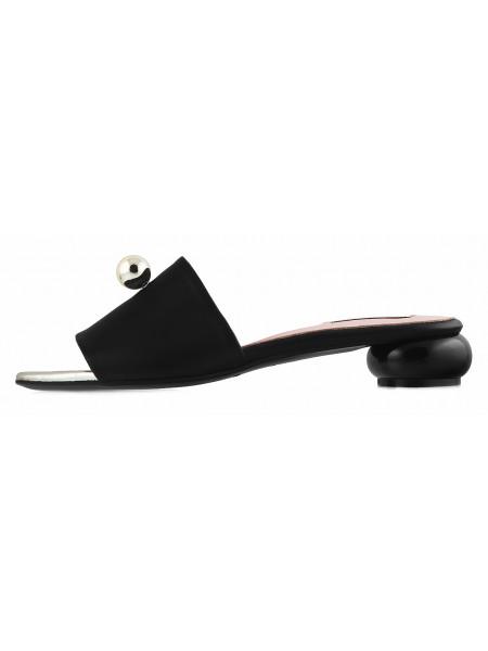 13084 HELENA SORETTI (Italy) Шлепанцы кожаные черные