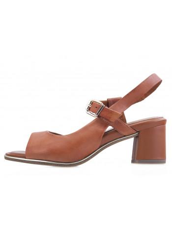 Босоножки кожаные TAMARIS (Germany) 13974 коричневые
