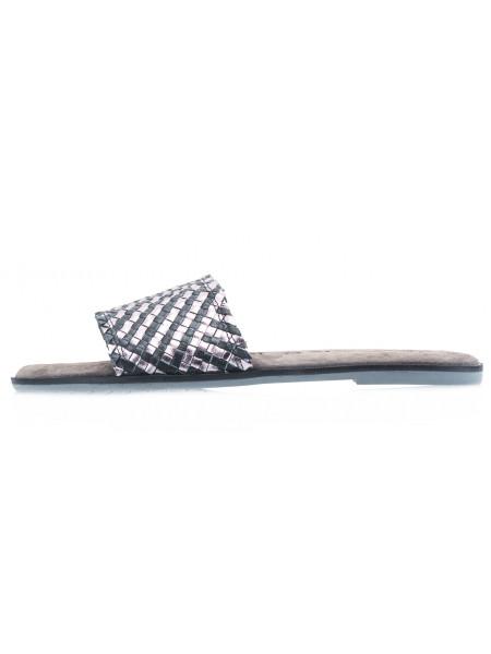 Шлепанцы кожаные TAMARIS (Germany) 14008 черно-серебристые