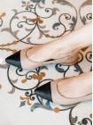 Босоножки кожаные женские закрытые RYLKO (Poland) 14290 черно-бежевые
