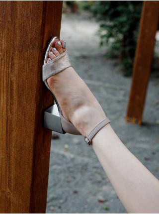 Босоножки кожаные BONTY (Poland) 14419 беж-серебро